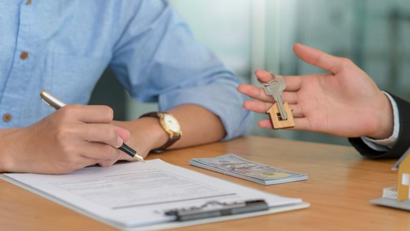 Hvordan køber man et hus uden ejendomsmægler?